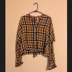 Size large women's flannel